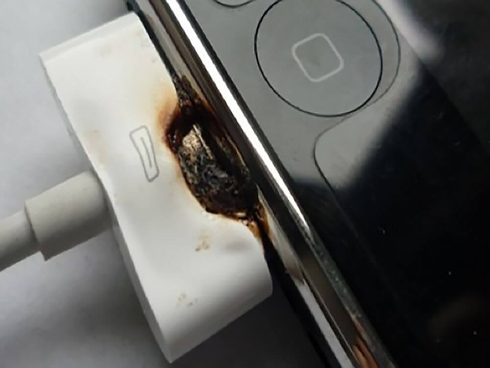 iPhone oplader in de brand
